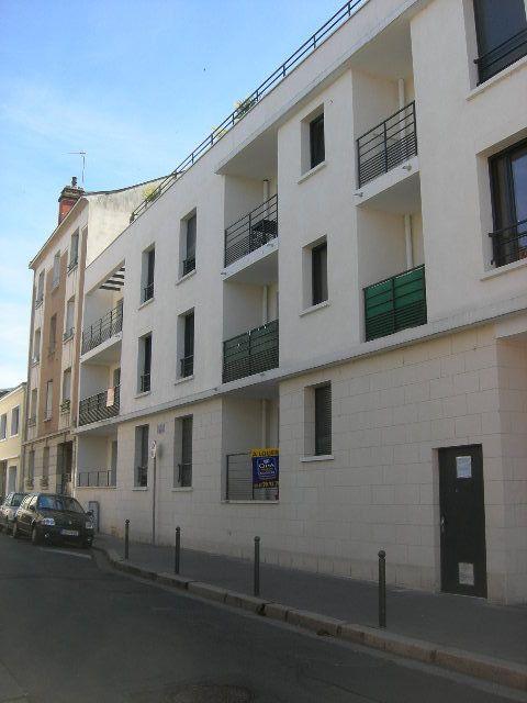 Appartement à louer 4 89.98m2 à Tours vignette-2