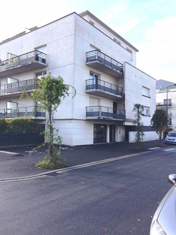 Appartement à louer 1 29.35m2 à Tours vignette-1