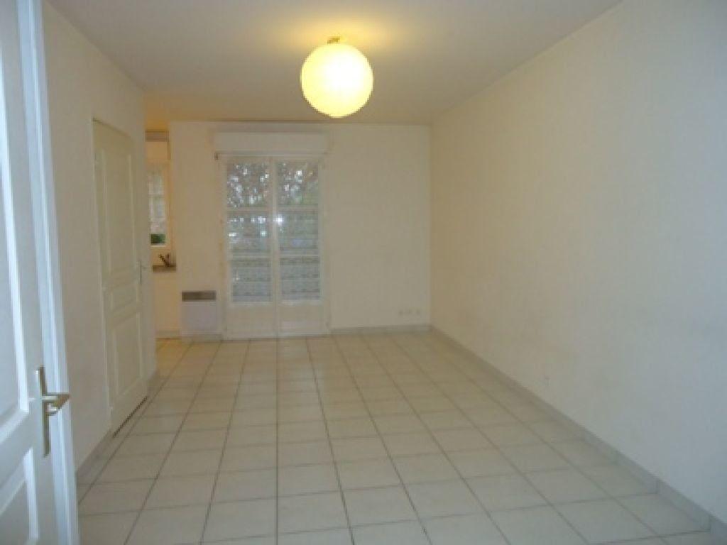 Appartement à louer 1 27.79m2 à Ballan-Miré vignette-2