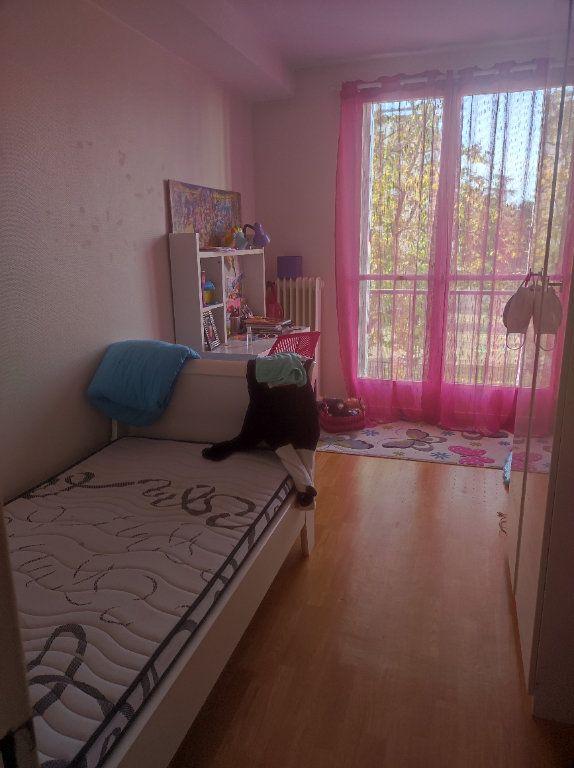 Appartement à louer 5 83.54m2 à Tours vignette-5