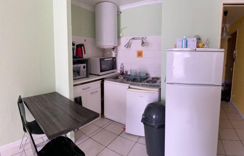 Appartement à louer 1 25.82m2 à Tours vignette-6