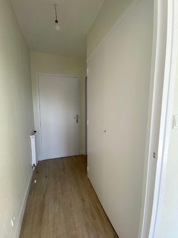 Appartement à louer 1 17.74m2 à Tours vignette-6