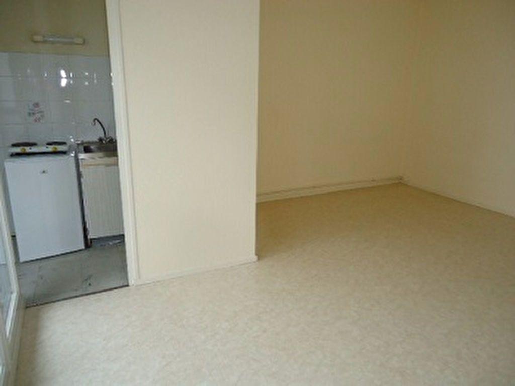 Appartement à louer 1 29.18m2 à Chambray-lès-Tours vignette-5
