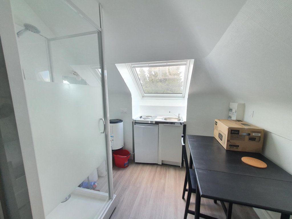 Appartement à louer 1 10.58m2 à Saint-Cyr-sur-Loire vignette-2