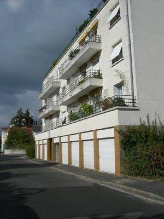 Appartement à louer 1 10.58m2 à Saint-Cyr-sur-Loire vignette-4