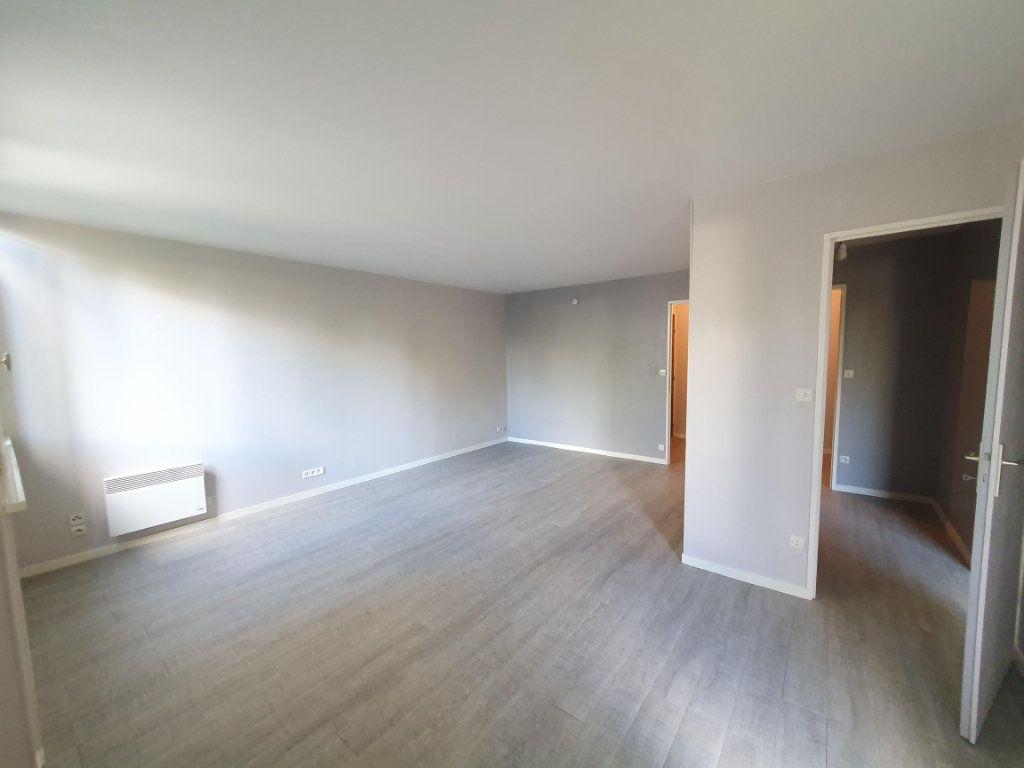 Appartement à louer 2 57.4m2 à Saint-Avertin vignette-2