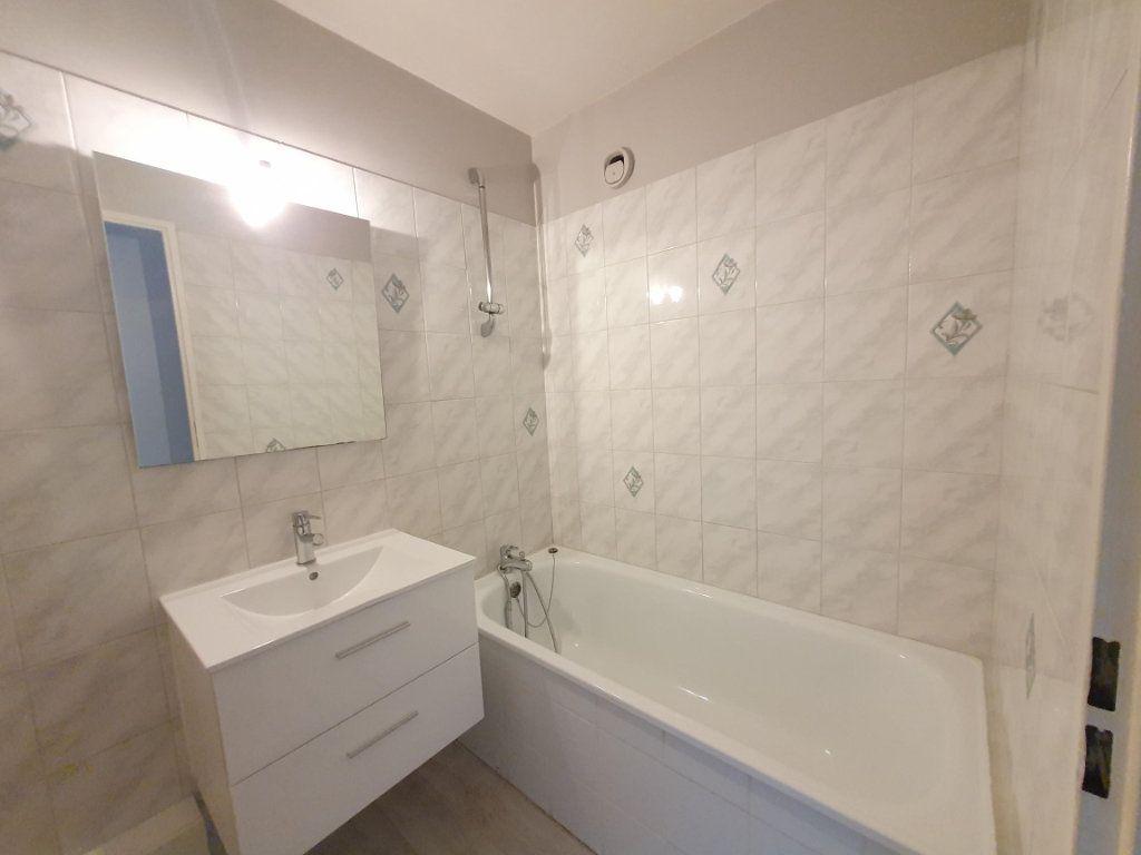 Appartement à louer 2 57.4m2 à Saint-Avertin vignette-4