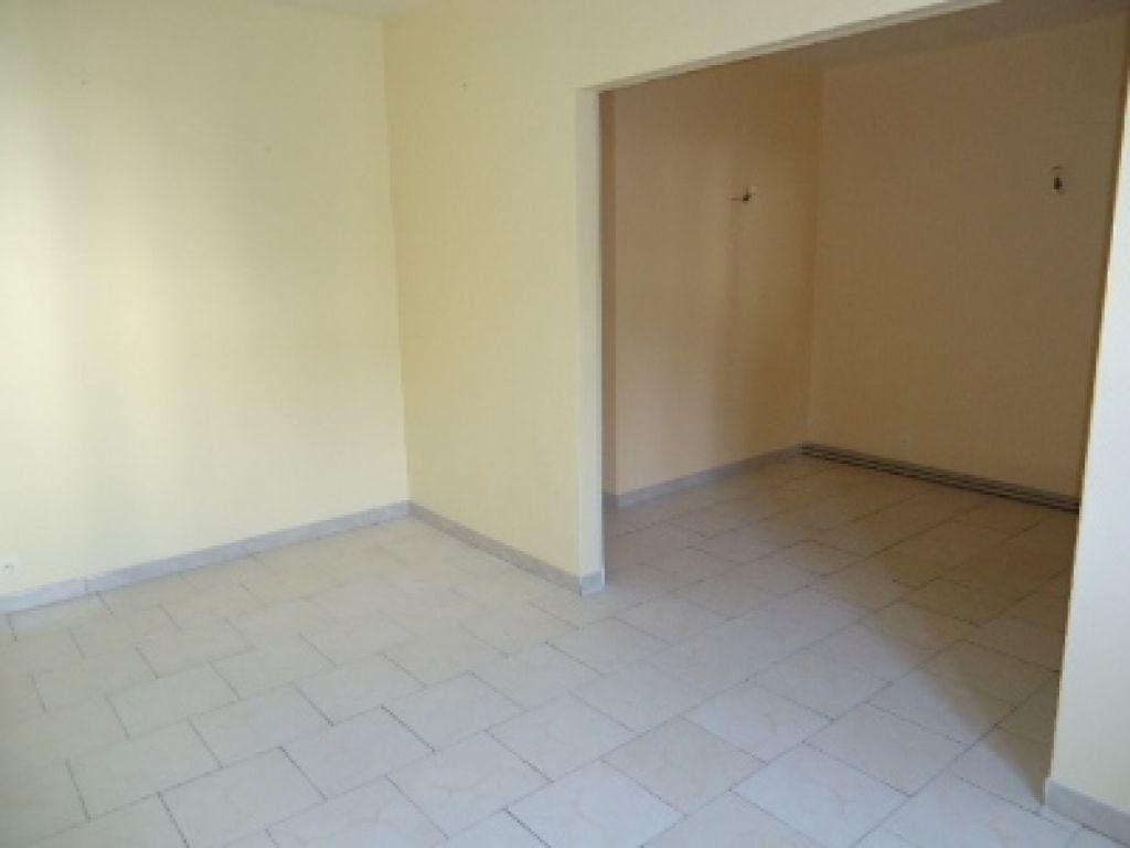 Appartement à louer 3 62.2m2 à Tours vignette-10