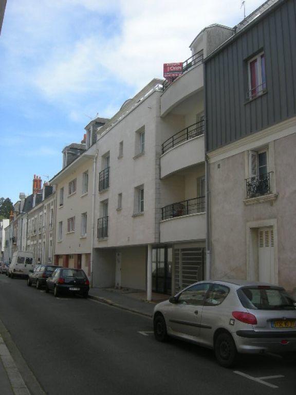 Appartement à louer 5 102.01m2 à Tours vignette-1
