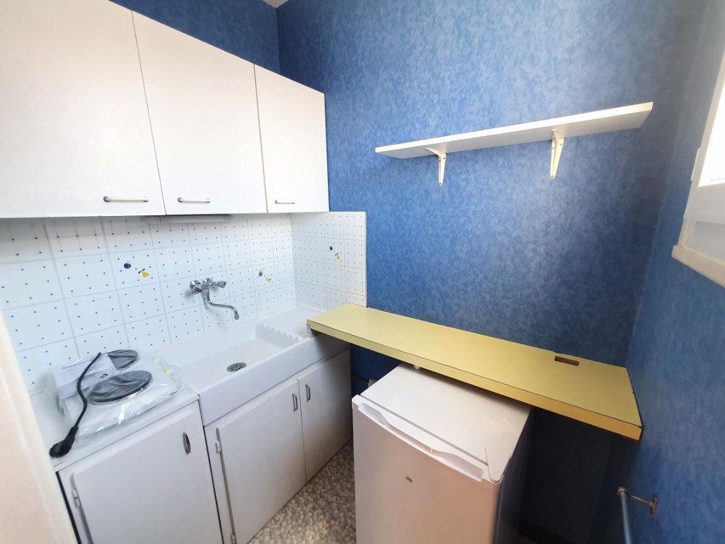 Appartement à louer 1 26.01m2 à Tours vignette-2