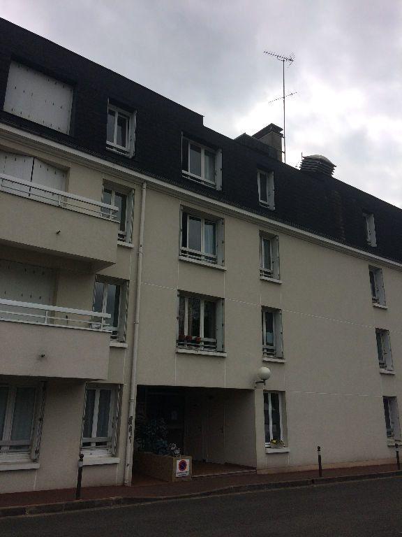 Appartement à louer 1 30.01m2 à Saint-Cyr-sur-Loire vignette-1