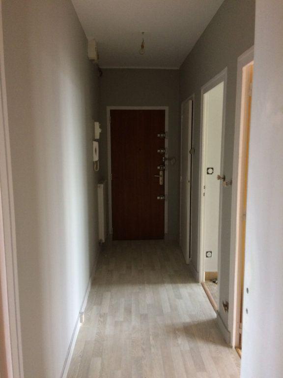 Appartement à louer 2 47.44m2 à Saint-Cyr-sur-Loire vignette-6