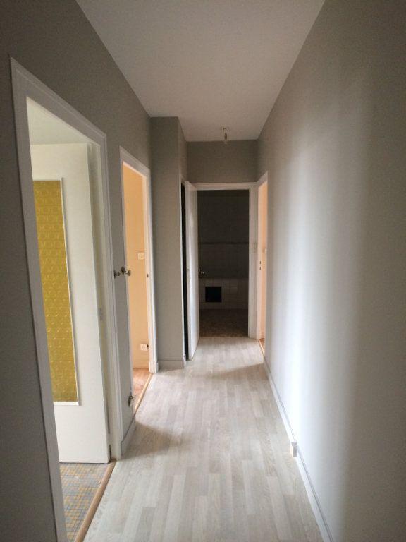 Appartement à louer 2 47.44m2 à Saint-Cyr-sur-Loire vignette-7