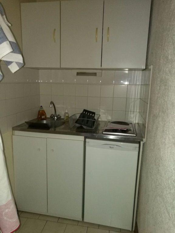Appartement à louer 1 14.16m2 à Tours vignette-2
