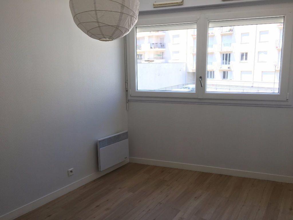 Appartement à louer 1 26.56m2 à Tours vignette-1
