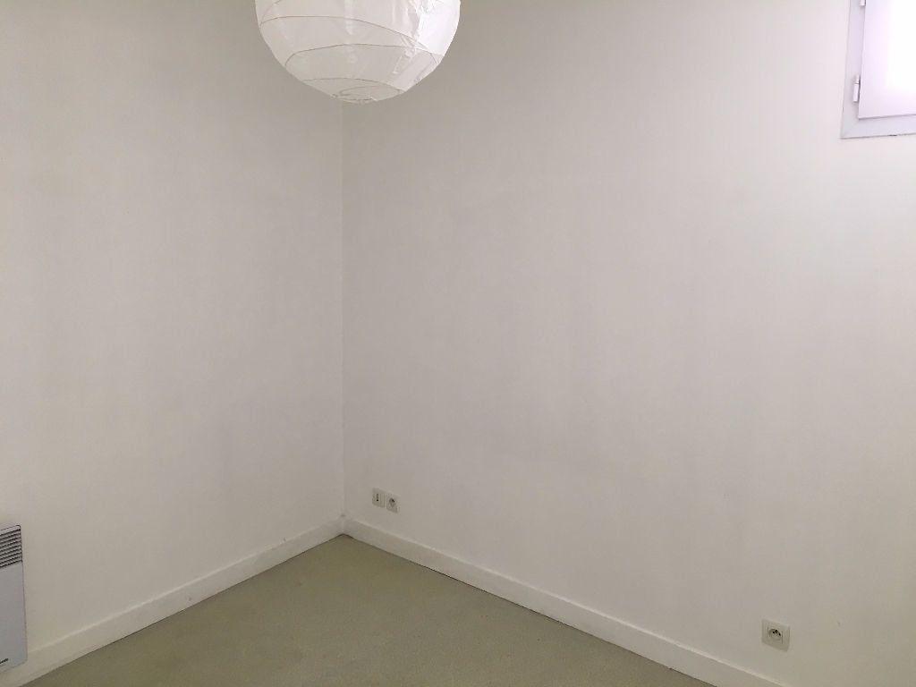 Appartement à louer 1 26.56m2 à Tours vignette-6