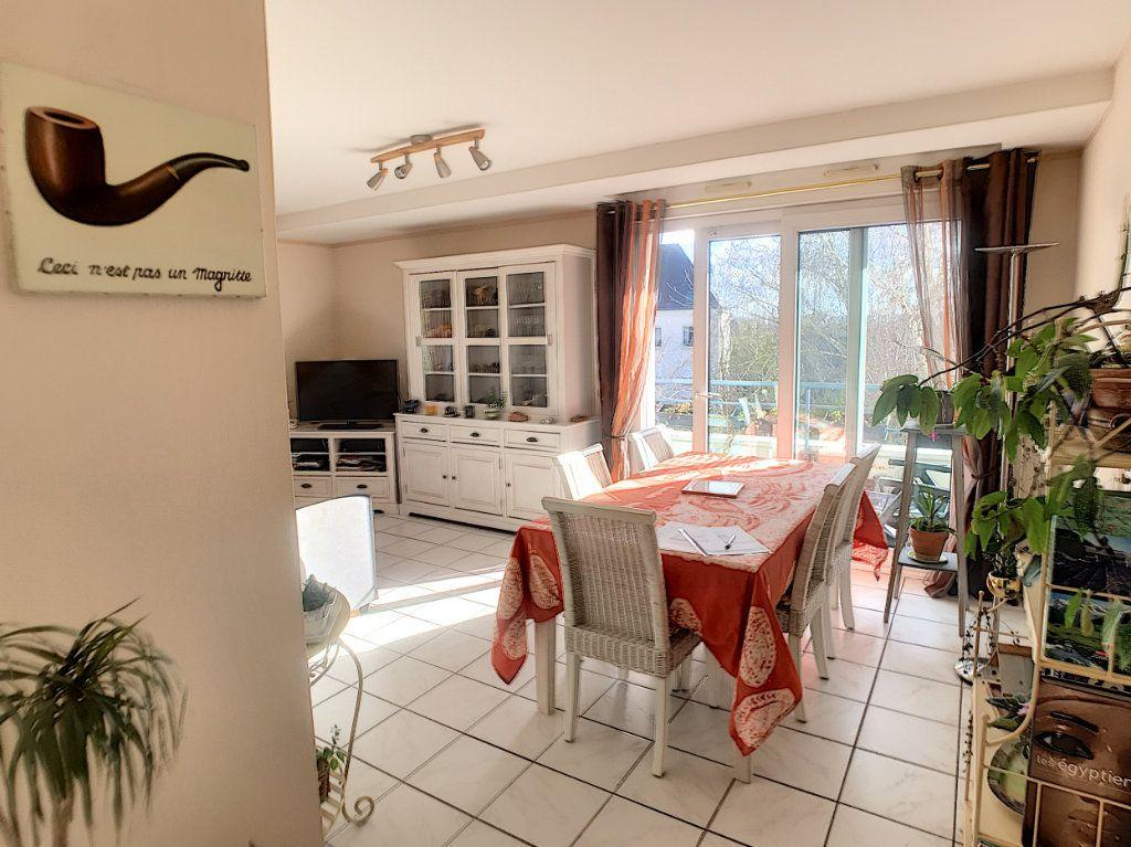 Appartement à louer 4 89.9m2 à Saint-Cyr-sur-Loire vignette-2