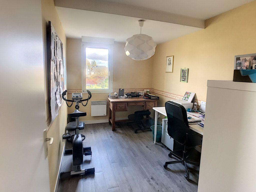 Appartement à louer 4 89.9m2 à Saint-Cyr-sur-Loire vignette-6