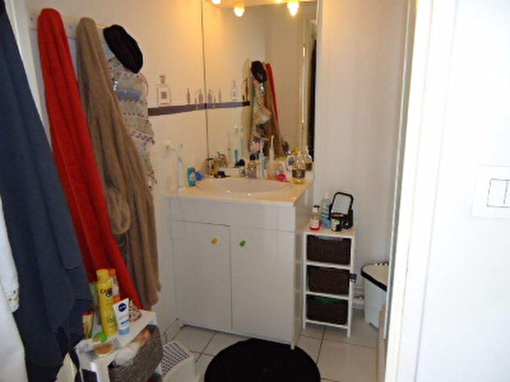 Appartement à louer 5 123m2 à Tours vignette-6