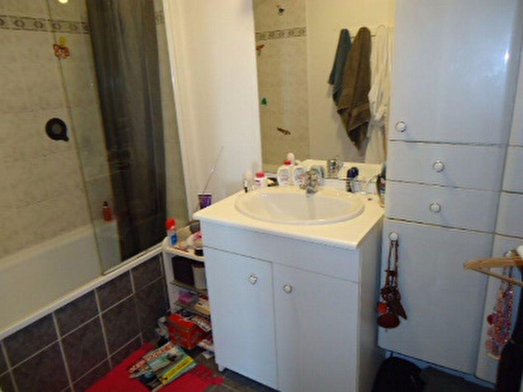Appartement à louer 5 123m2 à Tours vignette-7
