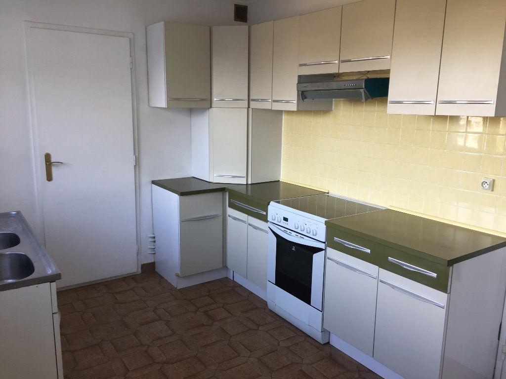 Appartement à louer 5 99.22m2 à Tours vignette-4