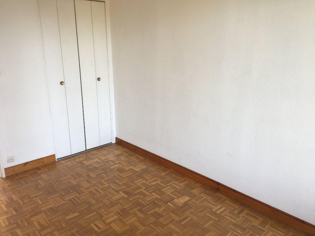 Appartement à louer 5 99.22m2 à Tours vignette-9