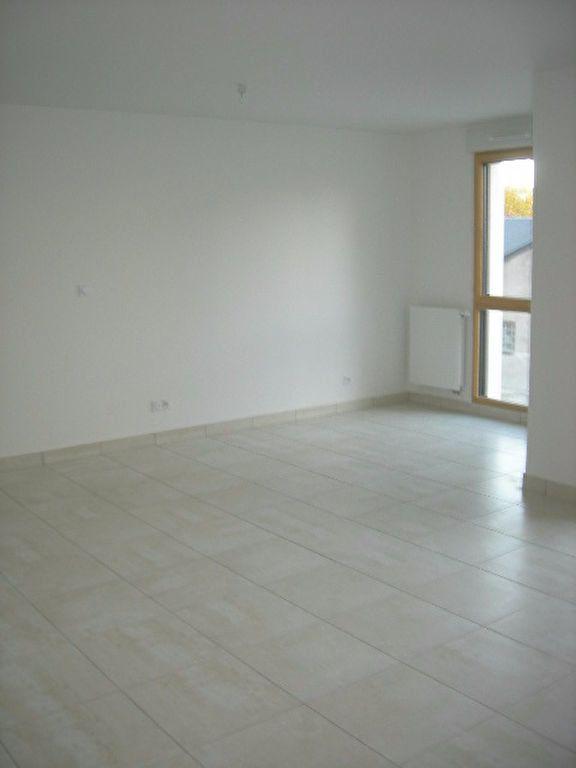Appartement à louer 3 70.52m2 à Tours vignette-5