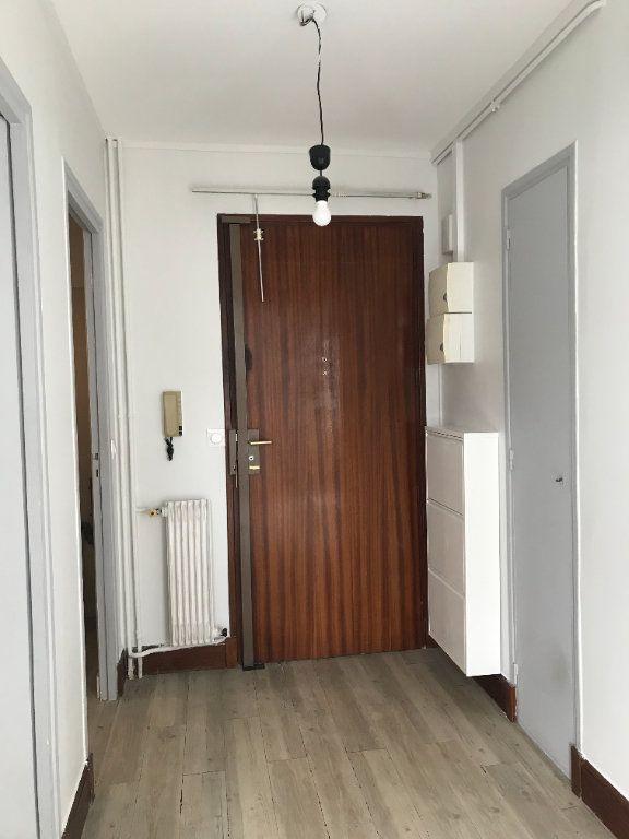 Appartement à louer 2 49.86m2 à Tours vignette-2