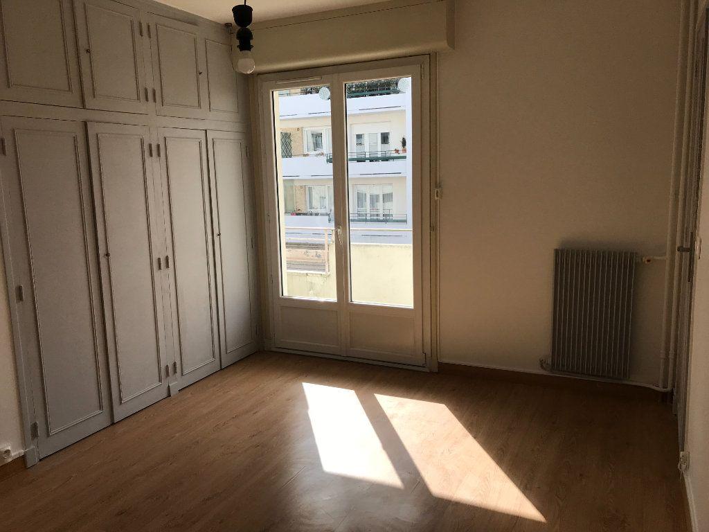 Appartement à louer 2 49.86m2 à Tours vignette-5