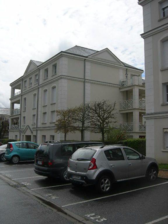 Appartement à louer 3 62.5m2 à Chambray-lès-Tours vignette-2