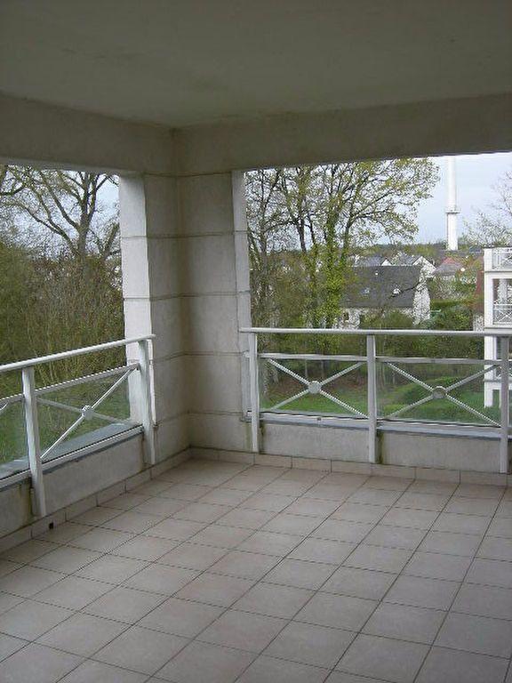 Appartement à louer 3 62.5m2 à Chambray-lès-Tours vignette-12