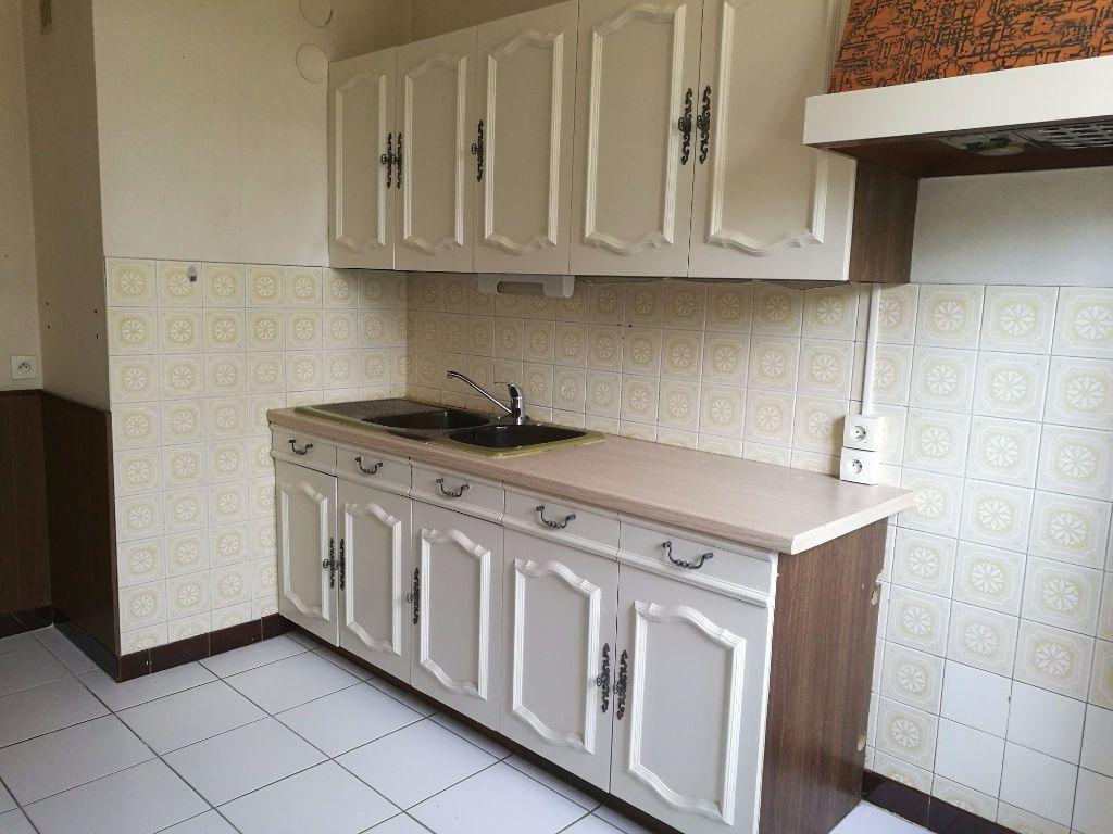Appartement à louer 4 79.09m2 à Tours vignette-2