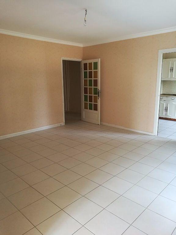 Appartement à louer 4 79.09m2 à Tours vignette-3