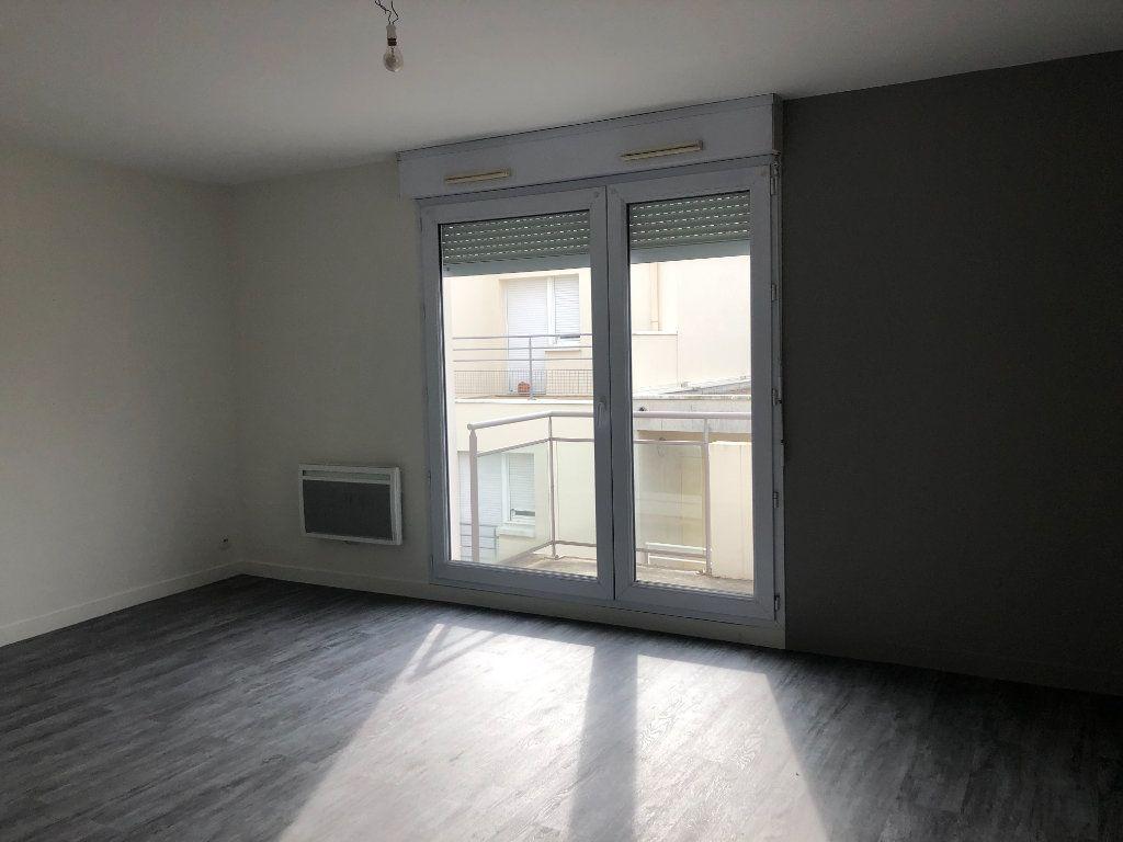 Appartement à louer 2 39.51m2 à Tours vignette-3