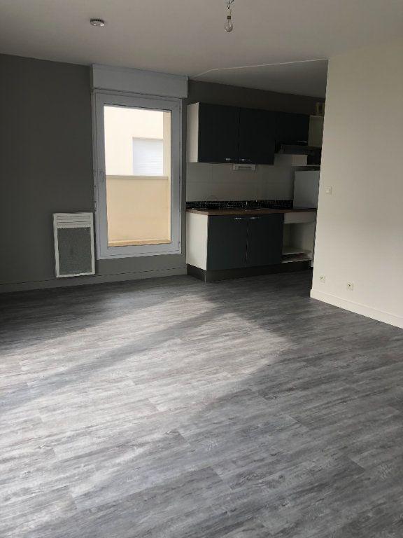 Appartement à louer 2 39.51m2 à Tours vignette-4