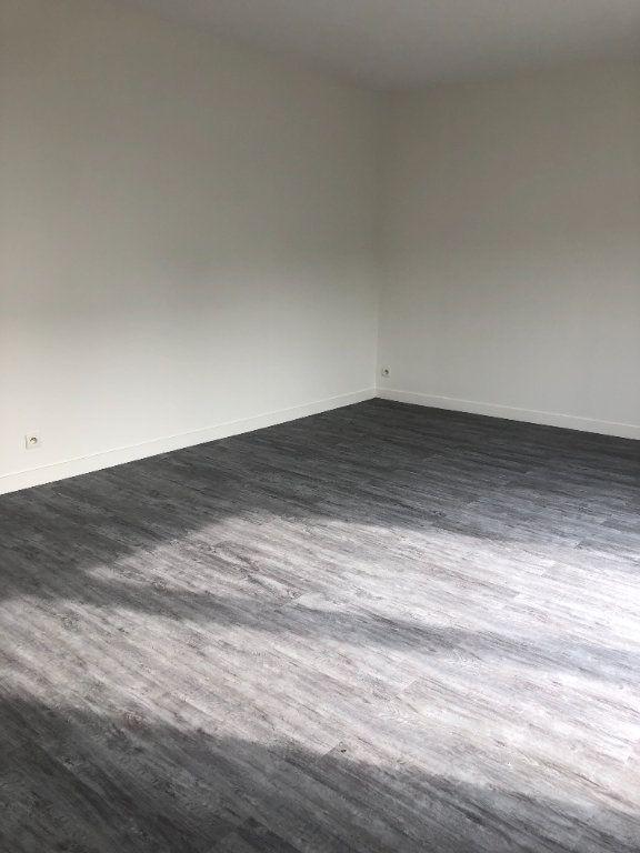 Appartement à louer 2 39.51m2 à Tours vignette-5