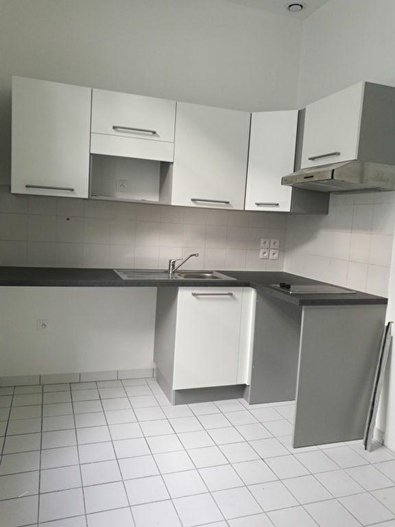 Appartement à louer 2 39.4m2 à Tours vignette-3