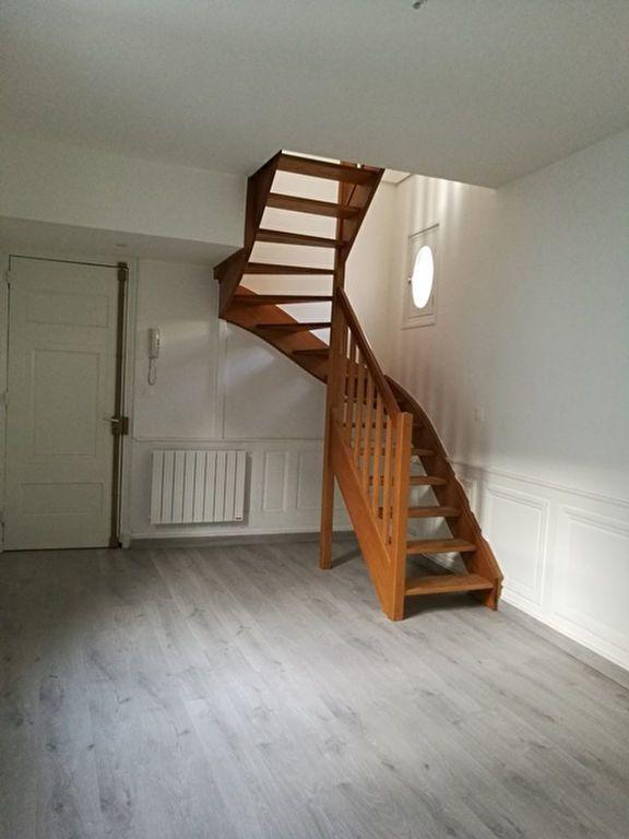 Appartement à louer 2 39.4m2 à Tours vignette-6