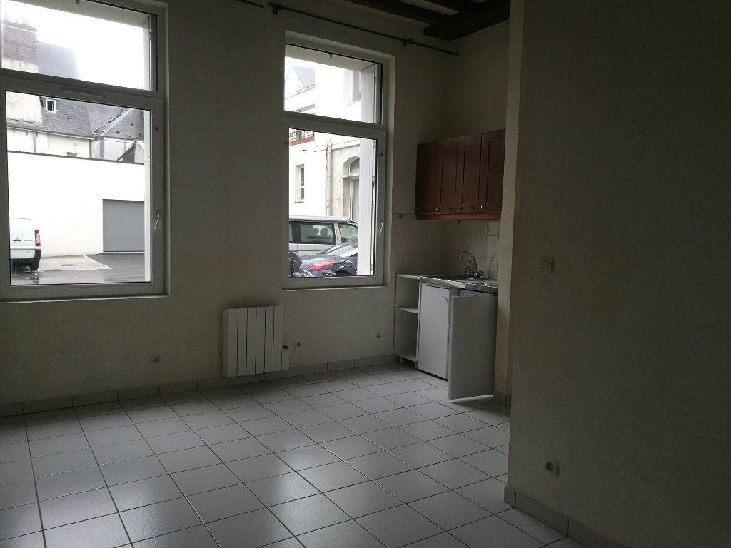Appartement à louer 1 21.01m2 à Tours vignette-1