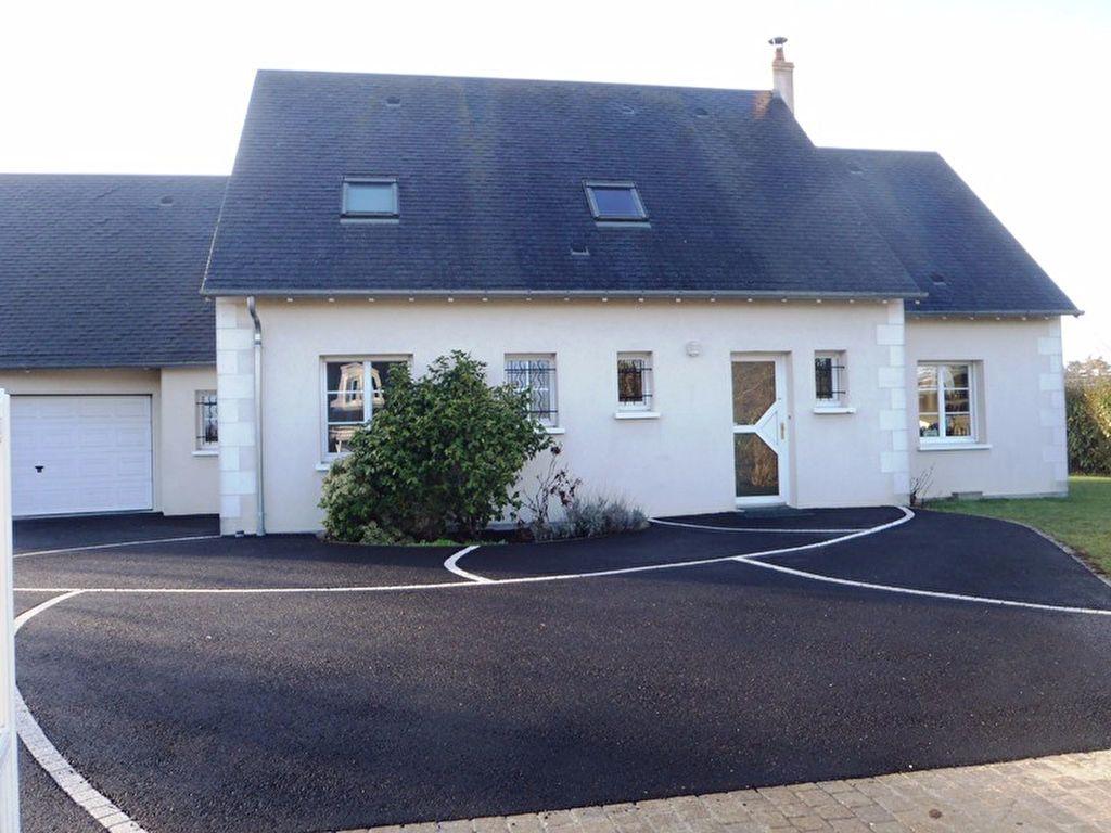 Maison à louer 7 160m2 à Saint-Cyr-sur-Loire vignette-2