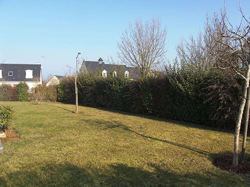 Maison à louer 7 160m2 à Saint-Cyr-sur-Loire vignette-4