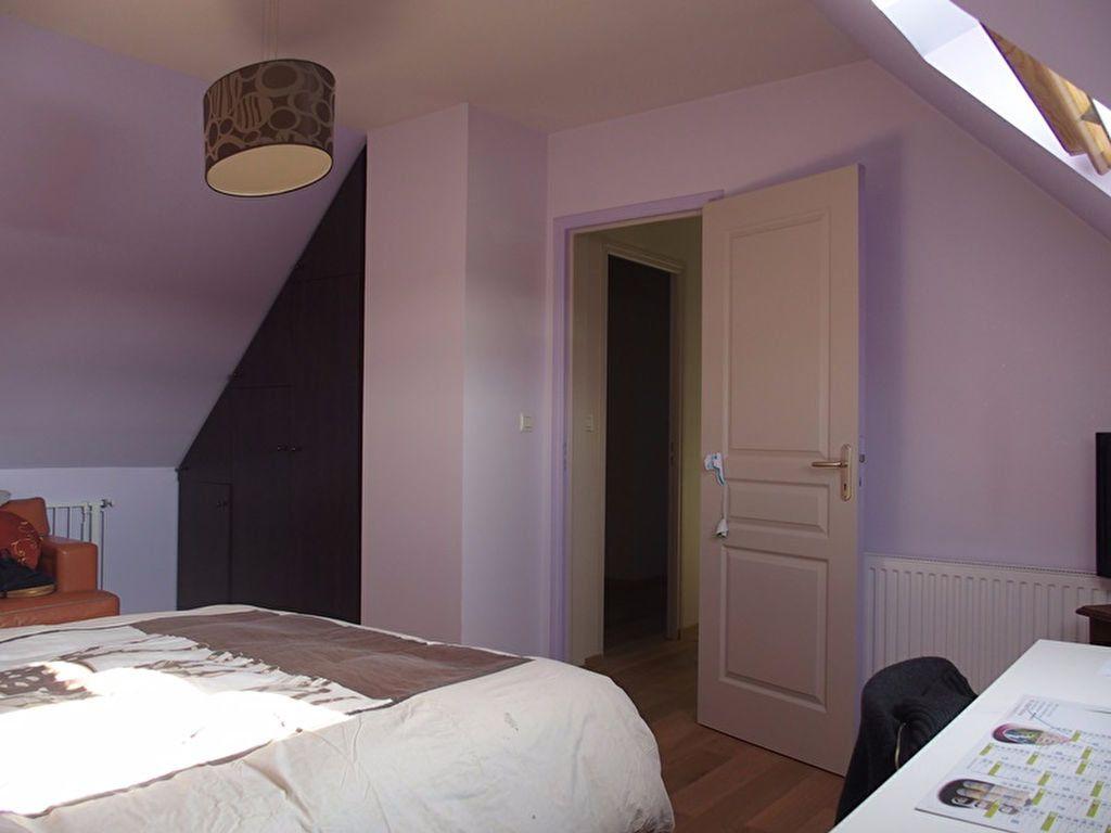 Maison à louer 7 160m2 à Saint-Cyr-sur-Loire vignette-9