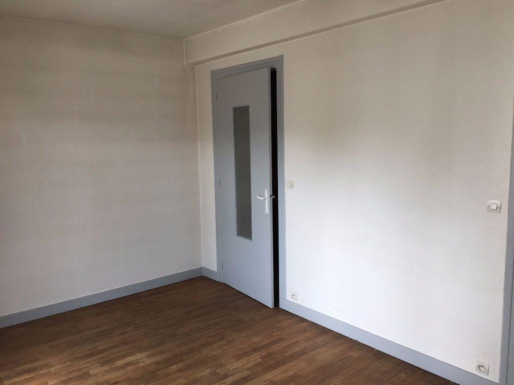Appartement à louer 3 57.3m2 à Tours vignette-6