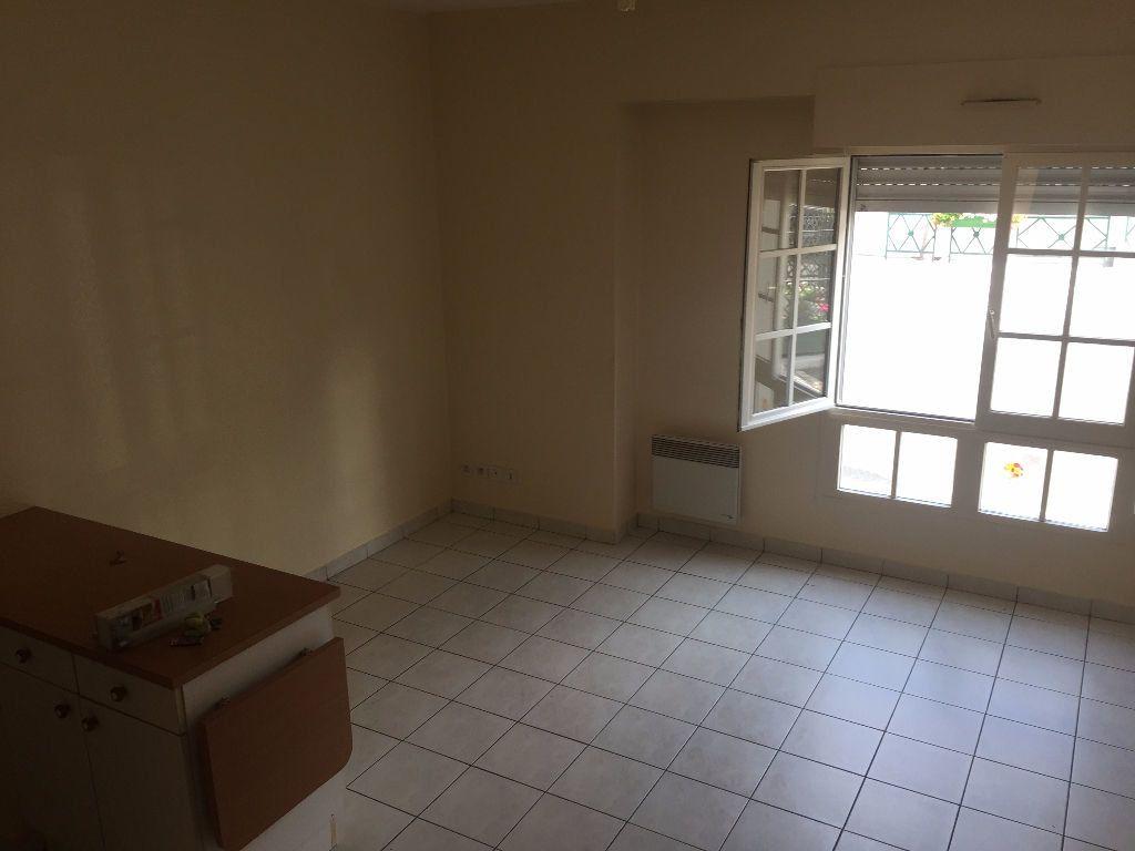 Appartement à louer 3 50.68m2 à Vernou-sur-Brenne vignette-2