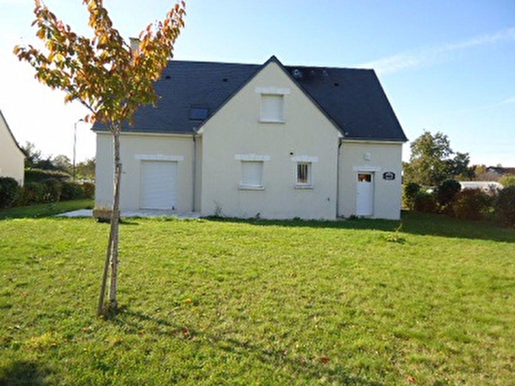 Maison à louer 7 137.31m2 à Saint-Cyr-sur-Loire vignette-3