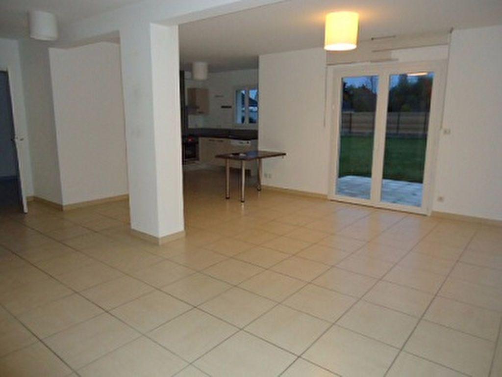 Maison à louer 7 137.31m2 à Saint-Cyr-sur-Loire vignette-8