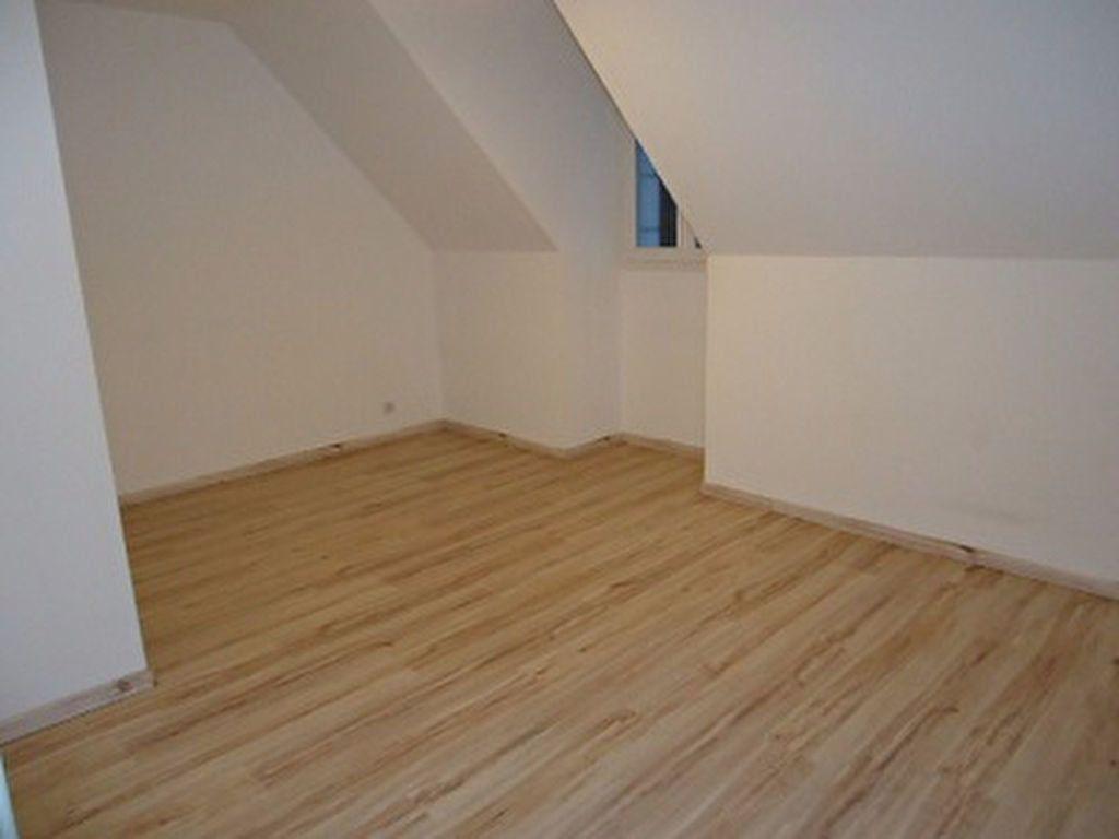 Maison à louer 7 137.31m2 à Saint-Cyr-sur-Loire vignette-16