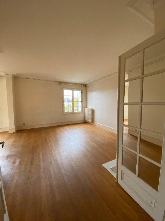Appartement à louer 4 92.35m2 à Tours vignette-2