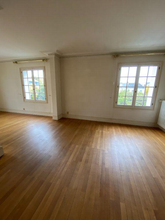 Appartement à louer 4 92.35m2 à Tours vignette-3