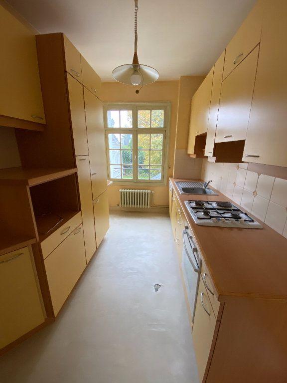 Appartement à louer 4 92.35m2 à Tours vignette-7